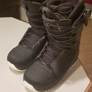 Salomon Malamute Snowboard Boots Size 10 for Sale in Peshastin, WA