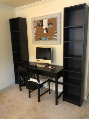 Desk with bookshelves for Sale in Federal Way, WA