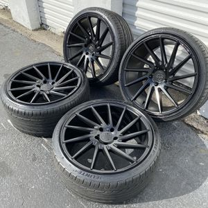 20 Inch SPD Rims 5x120 Staggered for Sale in Hialeah, FL