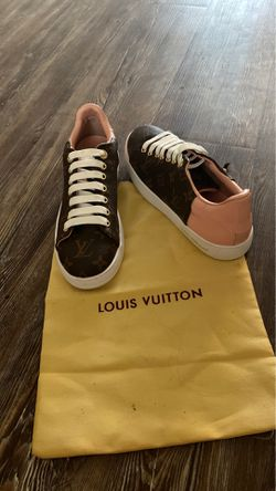 Women's Louis Vuitton sneakers for Sale in Oklahoma City,  OK