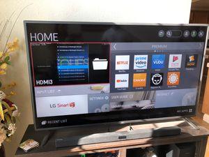 LG 60 inch Smart TV for Sale in Oceanside, CA