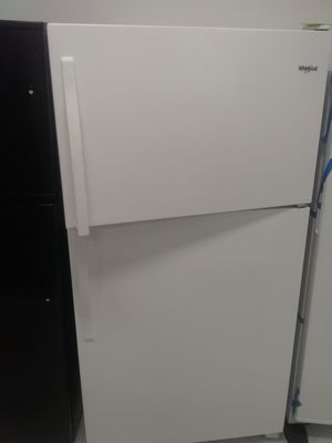 Whirlpool top and bottom refrigerator new scratch and dents good condition 6 months warranty for Sale in Mount Rainier, MD