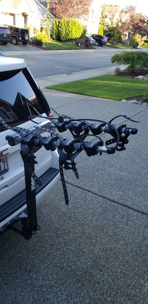 Thule 4 Bike Hitch Rack for Sale in Maple Valley, WA