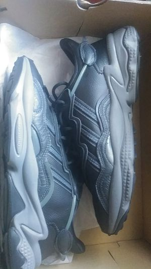 Adidas Ozweego Size 8 for Sale in Stanton, CA