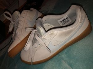 Nike shoes size 6 for Sale in Rockville, MD