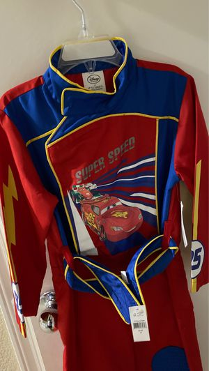 Lightning McQueen Crew Costume Size 4 for Sale in Fontana, CA