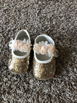 baby girl shoes golden color size 5 for Sale in North Las Vegas, NV