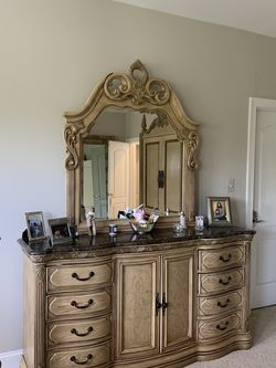 Bedroom Furniture for Sale in Falls Church,  VA