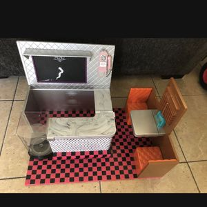 Huge Dining Play Kitchen Toy With Lights (minor Scratch On The Menu Board) for Sale in Chula Vista, CA