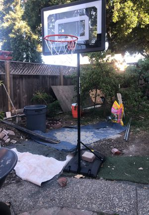Basketball hoop 7inch for Sale in Palo Alto, CA