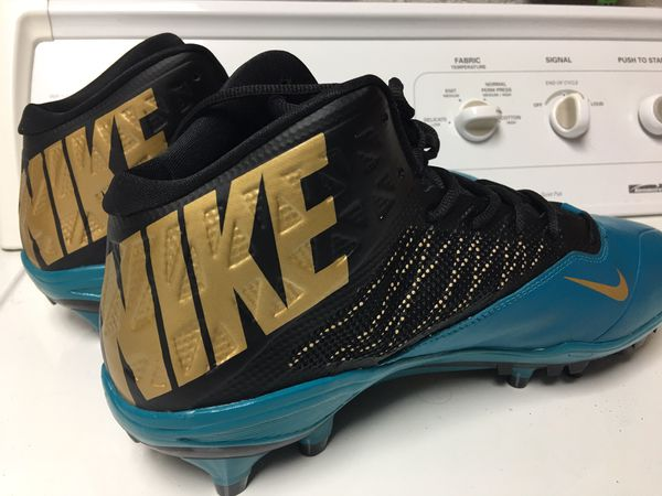 *NEW* Nike Cleats (Size 13.5)