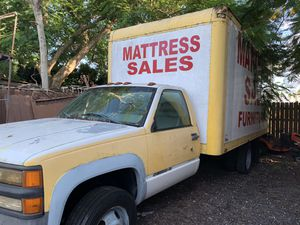 1998 Chevy box truck 16 ft box for Sale in Homestead, FL