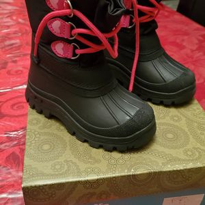 Kids Snow Boot Waterproof Child Toddler Sz 9 for Sale in Staten Island, NY