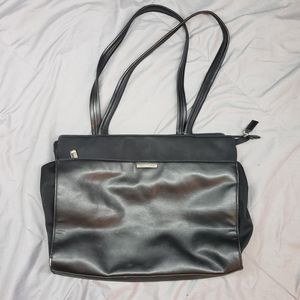 Nine West Faux Leather Handbag Purse for Sale in Lewis McChord, WA