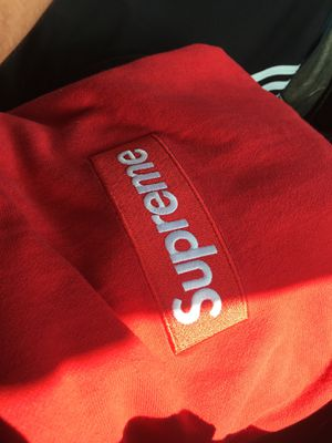 Supreme box logo sz large steal for today for Sale in Saint Clair Shores, MI