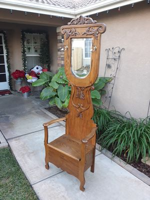 "CLASSY OAK HALLTREE W/ BENCH SEAT/STORAGE (BEVELED MIRROR) 27""W × 15.5""D × 78""H for Sale in Corona, CA"