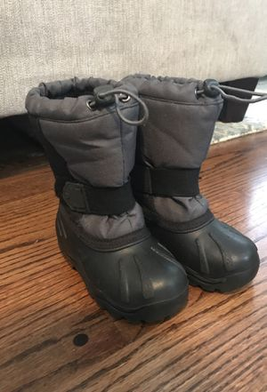 Snow boots size 10 kids for Sale in Sammamish, WA