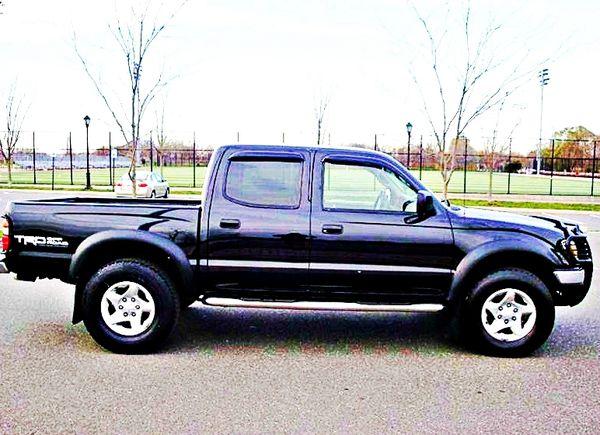 ֆ14OO 4WD Toyota Tacoma 4WD