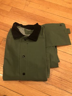 *NEW* HEAVY WEIGHT RAIN SUIT (M) for Sale in New Lenox, IL