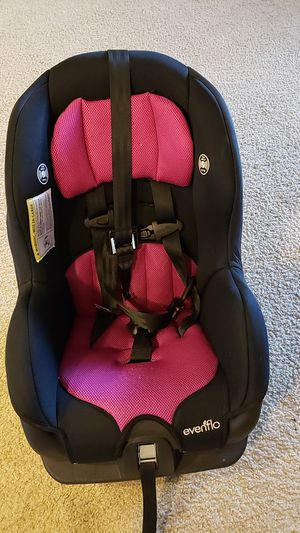 Car seat forward/rear facing (price is firm) for Sale in Ashburn, VA