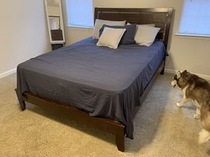 Bed frame w/ headboard and dresser for Sale in Martinez, GA