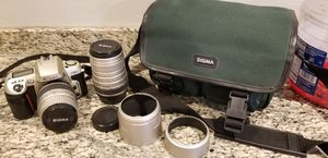 MINT NIKON F60 SLR CAMERA W/ 28-80MM & 100-300MM LENSES for Sale in San Diego, CA