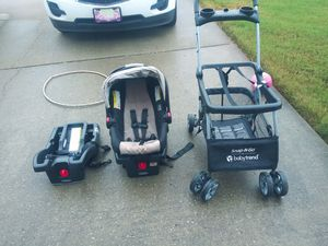 Graco Click 35 Infant car seat and two bases with universal stroller for Sale in Madison, AL