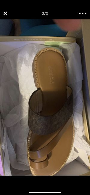 Michael kors sandals size 7 for Sale in Grand Prairie, TX