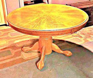 Table brown for Sale in Hesston, KS