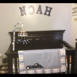 3 In 1 Crib and mattress. for Sale in Chicago, IL