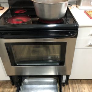 Stainless Steel Stove for Sale in Auburn, WA