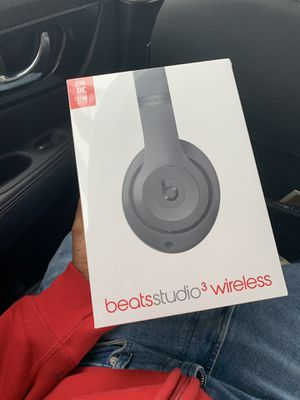 Beats by dre new studio series 3 wireless for Sale in Austin, TX