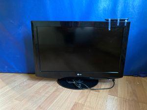 "$40 obo working LG tv 32"" screen for Sale in Waterbury, CT"
