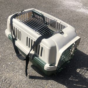 Dog kennel/dog carrier/dog cage for Sale in Tacoma, WA