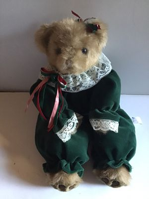 STUFFED BEAR IN GREEN DRESS W/ LACE COLLAR for Sale in Cloudcroft, NM