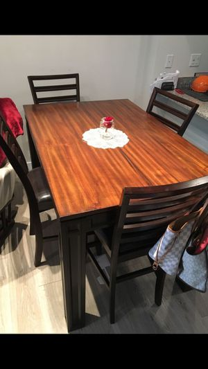 Dining table with 4 chairs for Sale in Fort Lauderdale, FL