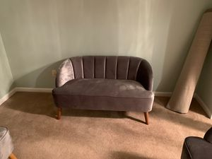 Gray couch like new! for Sale in Woodbridge, VA