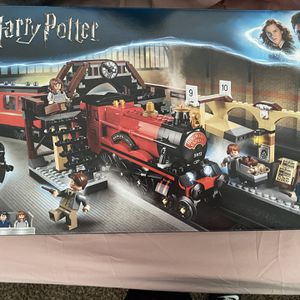 Harry Potter Hog warts Express Lego Train Set for Sale in Queensbury, NY