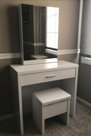 3pcs Vanity Set ! NEW IN BOX ! $185 for Sale in San Diego, CA