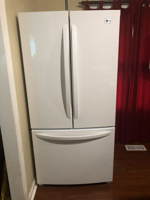 LG 23 cu ft French door refrigerator for Sale in Knoxville, TN