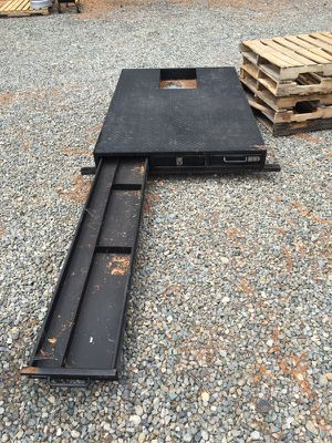 Pick up bed toolbox for Sale in Seattle, WA