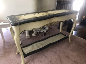 Console table for Sale in Syosset, NY