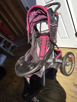 Baby Trend stroller for Sale in Providence, RI