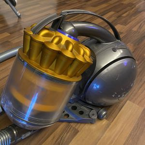 Dyson Vacuum for Sale in Hialeah, FL