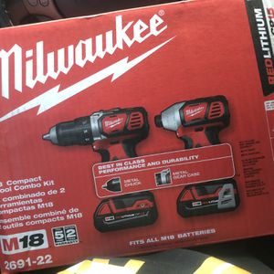 9 Milwaukee Drill Kit for Sale in The Bronx, NY