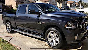 DODGE RAM 1500 SPORT WHEELS 5LUG for Sale in Colton, CA