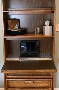 Wall Unit (with Desk and 3 Drawers) for Sale in Los Angeles,  CA