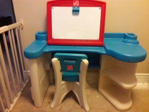 step 2 kids desk w white board for Sale in Chandler, AZ