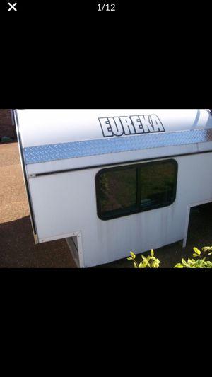 Eureka Slide in Camper with jacks for Sale in Carol City, FL