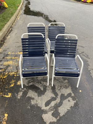 Outdoor chairs for Sale in Howell Township, NJ